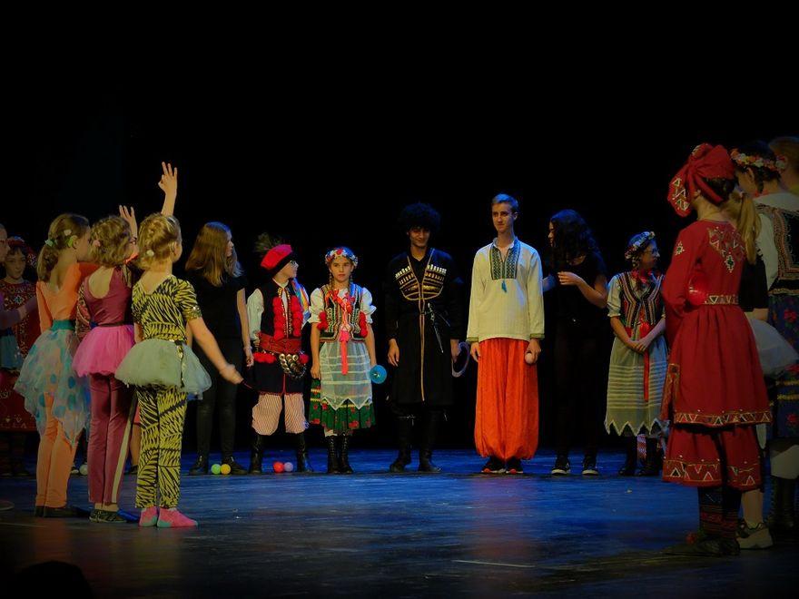 Wałbrzych: Spektakl Brave Kids Together podbił serca wałbrzyszan