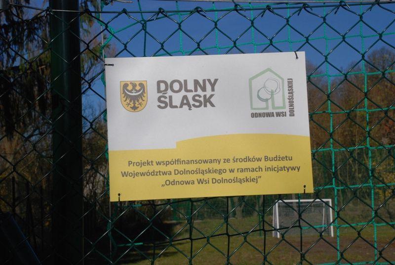 REGION, Głuszyca Górna: Nowe boisko w Głuszycy Górnej