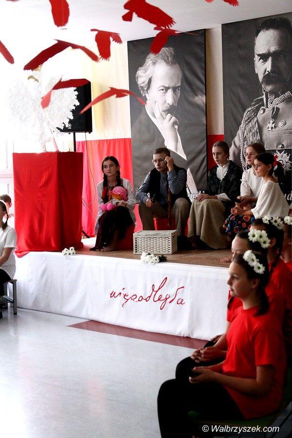 Wałbrzych: Obchody stulecia niepodległości w ZS–P 3