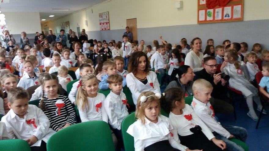 Wałbrzych: Uczniowie PSP nr 37 pamiętali o rocznicy niepodległości