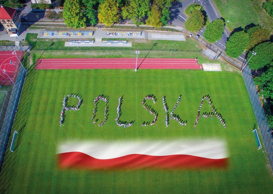 """REGION, Szczawno-Zdrój: """"Wspólnie dla Niepodległej"""" – wyjątkowy projekt uczniów ze  Szczawna–Zdroju"""