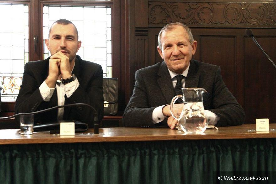 Wałbrzych: Radni i prezydent zaprzysiężeni. Maria Romańska ponownie przewodniczącą rady