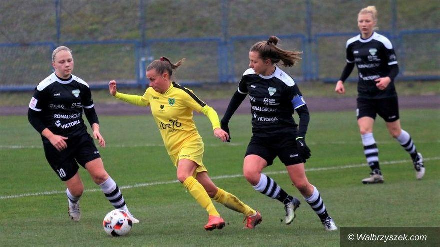Wałbrzych: Ekstraliga piłkarska kobiet: Skromnie, ale do przodu