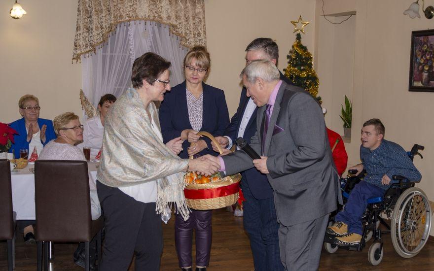 """REGION, Mieroszów: Spotkanie wigilijno – mikołajkowe Stowarzyszenia """"Ich Radość"""""""