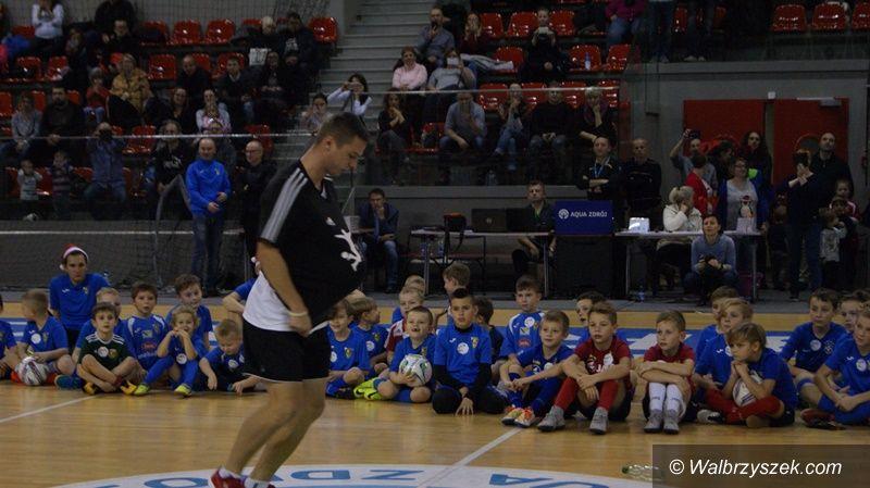 Wałbrzych: Mikołaj odwiedził młodych adeptów futbolu
