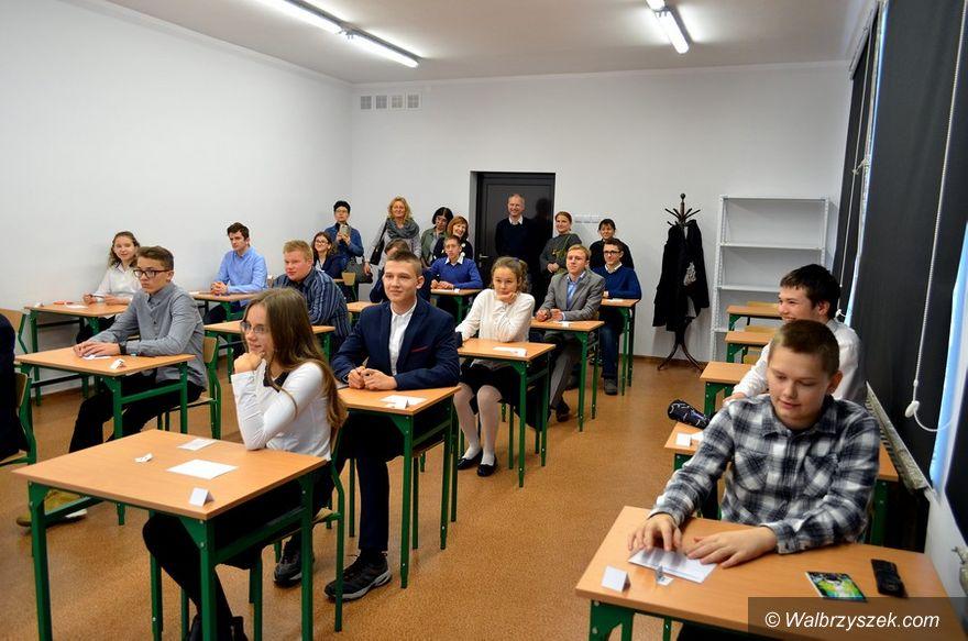 Wałbrzych: Zmagania historyczne w ZS 4