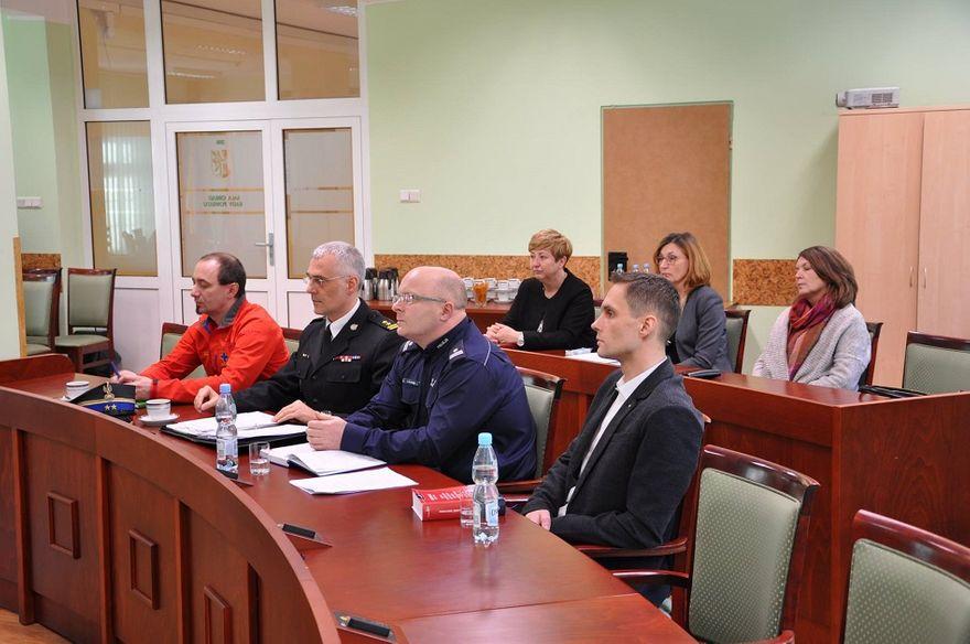 powiat wałbrzyski: Tym razem debatowali o bezpieczeństwie