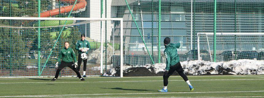 Wałbrzych: Piłkarze Żalgirisu Kowno trenują w Wałbrzychu