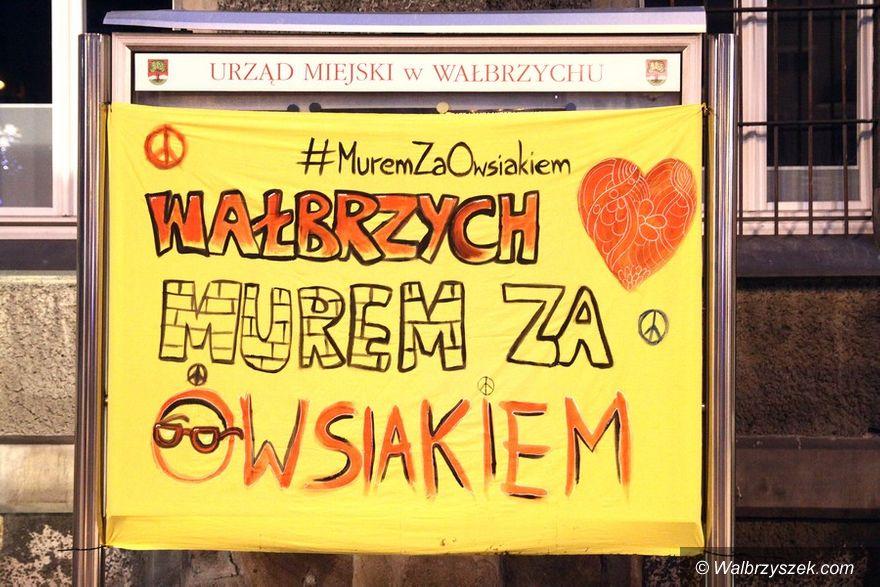 """Wałbrzych: Akcja """"Murem za Owsiakiem"""" w Wałbrzychu"""