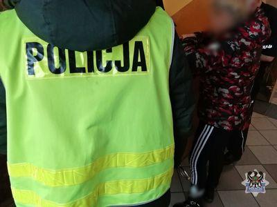 Wałbrzych: Policjanci zatrzymali 53–latkę, która odpowie za posiadanie znacznej ilości narkotyków