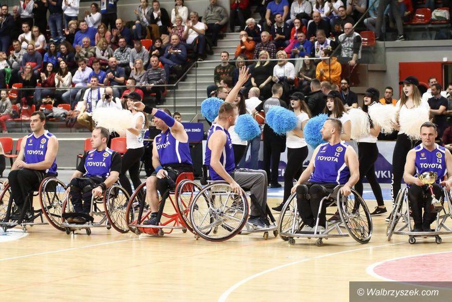 Wałbrzych: TOYOTA wspiera koszykarzy na wózkach