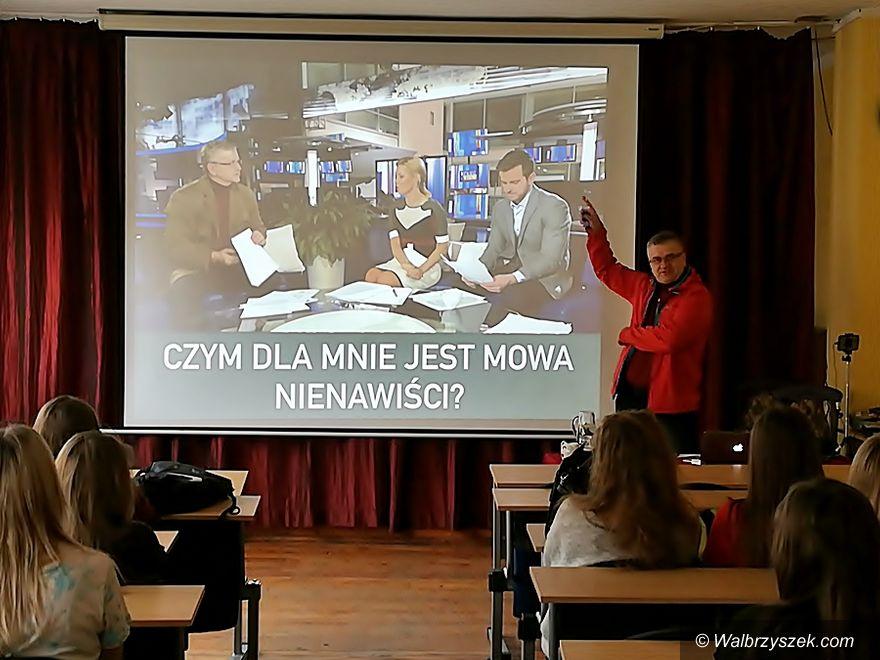 """Wałbrzych: W ZS4 rozmawiano o """"hejcie"""""""