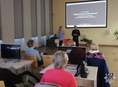 Wałbrzych: Z seniorami rozmawiali o bezpieczeństwie osób starszych