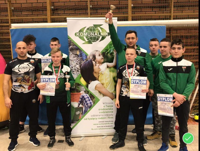 Wałbrzych: Mateusz Ropiak zdobywa Puchar Polski juniorów młodszych w zapasach