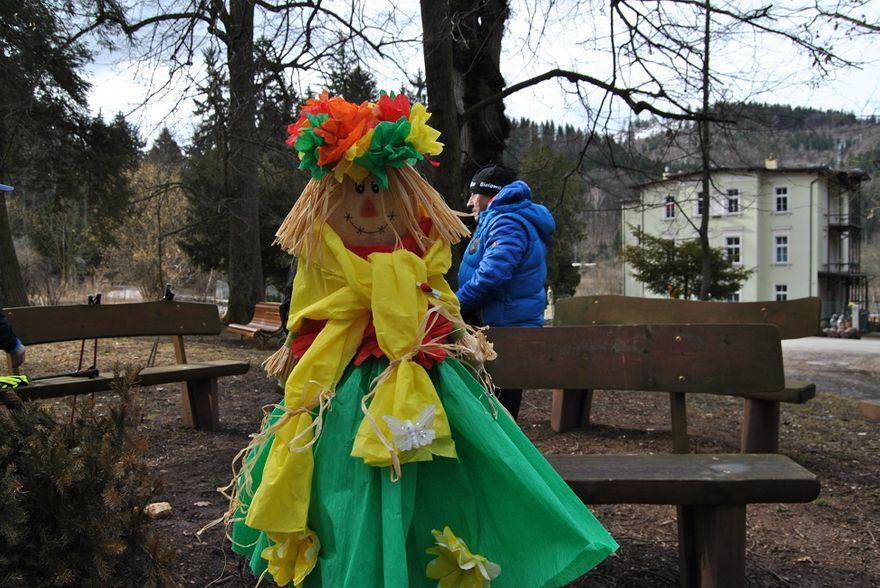 powiat wałbrzyski: Świetna zabawa podczas Marszu Nordic Walking