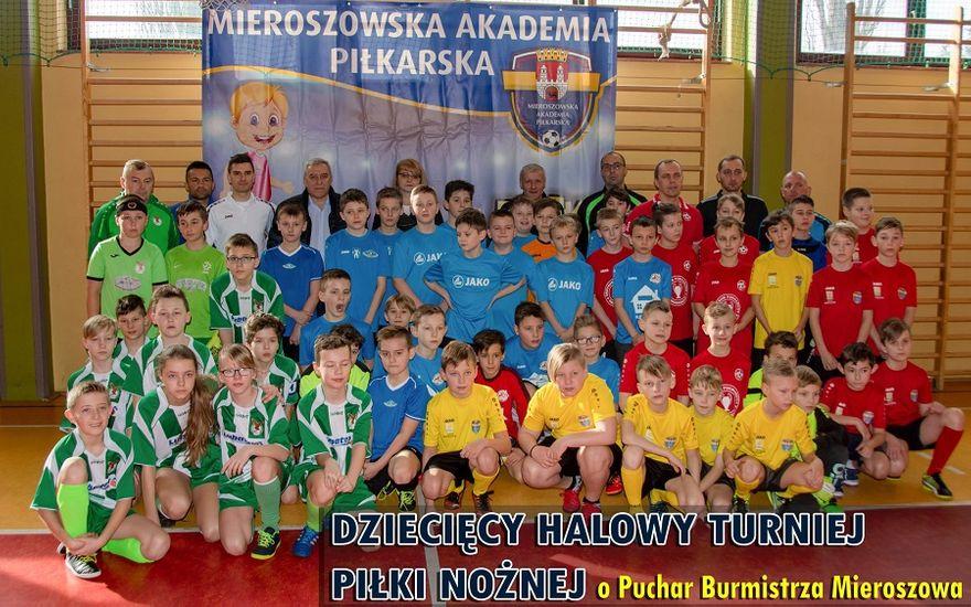 Mieroszów: Młodzi piłkarze pokazali spore umiejętności na turnieju rozegranym w Mieroszowie