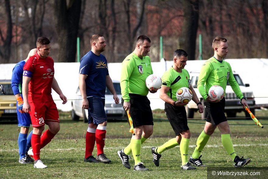 Głuszyca: Piłkarska klasa A: 17 minut, które wstrząsnęły Iskrą
