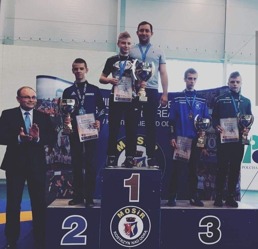 Kraj: Jakub Miś zwycięzcą II Pucharu Polski juniorów młodszych w zapasach