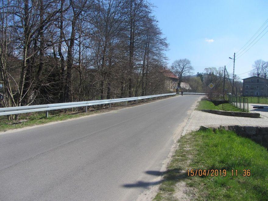 powiat wałbrzyski: Bariery energochłonne pojawiły się na drogach powiatu wałbrzyskiego