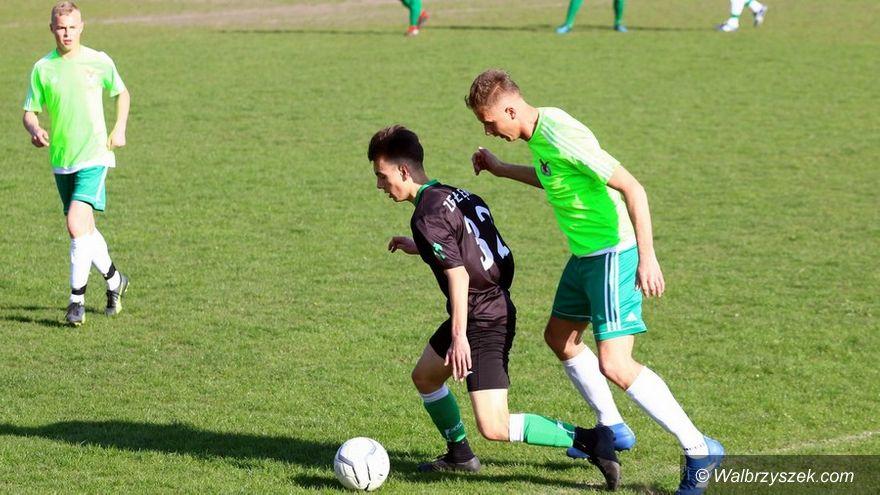 REGION: Piłkarska klasa A: Walka o awans trwa nadal