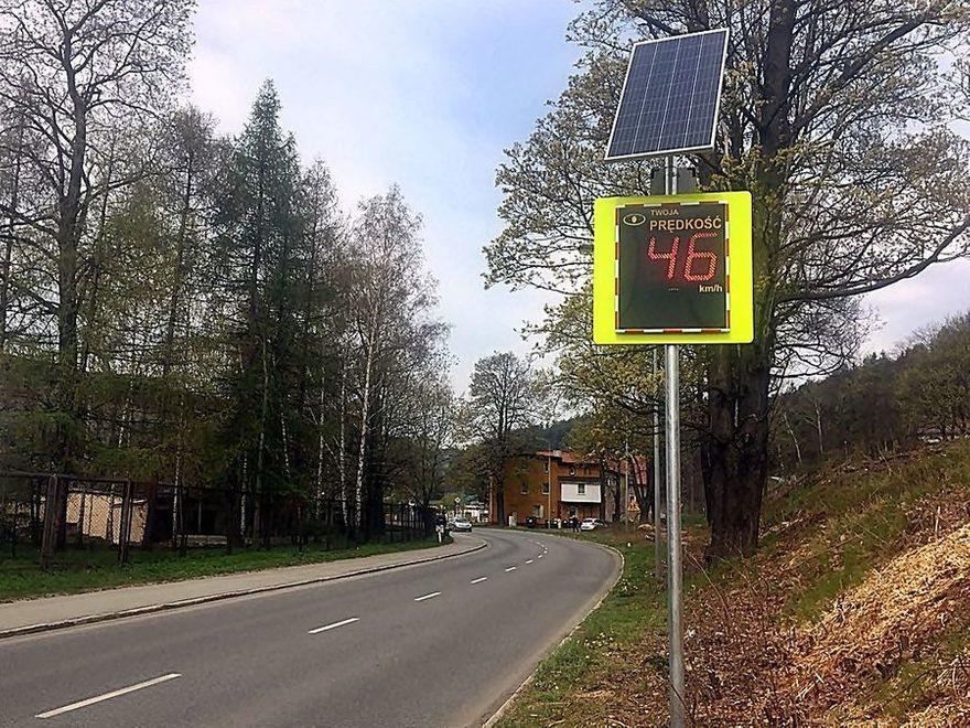 REGION, Jedlina-Zdrój: Radarowe Wyświetlacze Prędkości pojawiły się w Jedlinie–Zdroju
