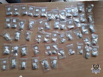 REGION, Boguszów-Gorce: Dwóch mieszkańców Boguszowa–Gorc odpowie przed sądem za posiadanie amfetaminy i handel środkami psychotropowymi