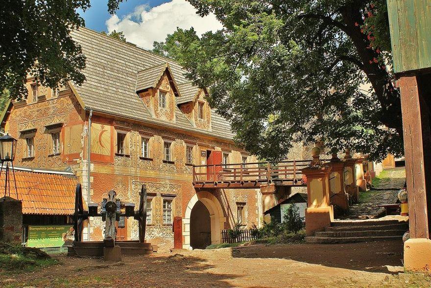 REGION, Walim: Na Zamek Grodno i do Sztolni Walimskich wejdiesz za złotówkę
