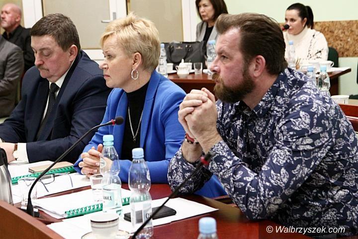 REGION, Boguszów-Gorce/powiat wałbrzyski: Powiatowi radni wyrazili zgodę na zwolnienie z pracy Jolanty Woźniak