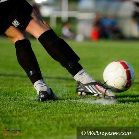 REGION: Piłkarska klasa okręgowa: Wciąż pod kreską