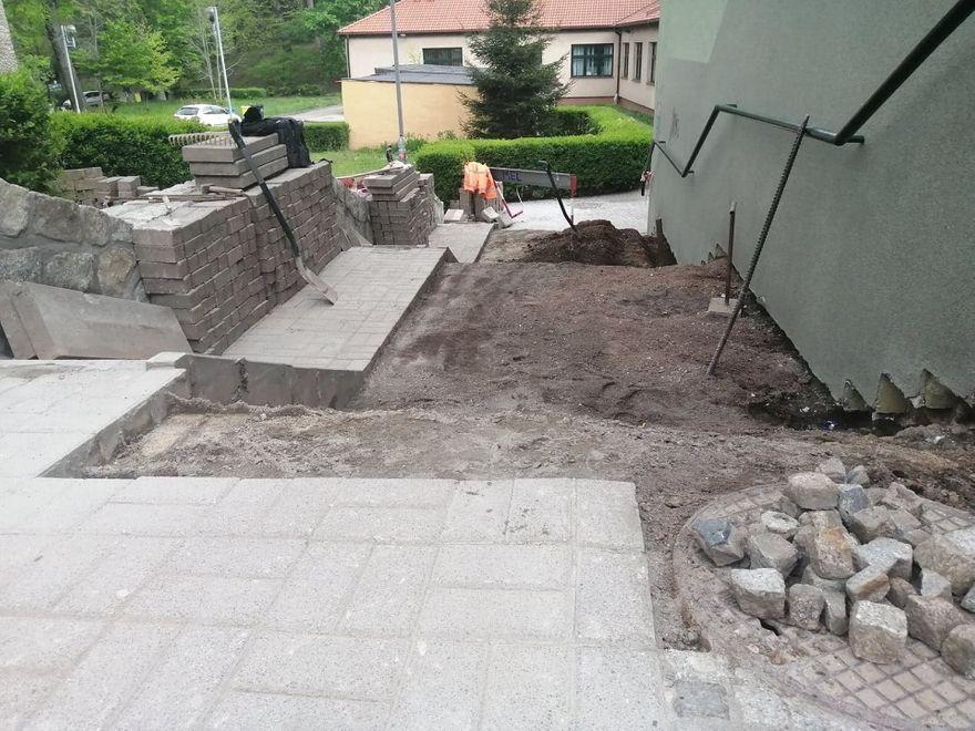 REGION, Szczawno-Zdrój: W Szczawnie–Zdroju remontują chodniki i drogi