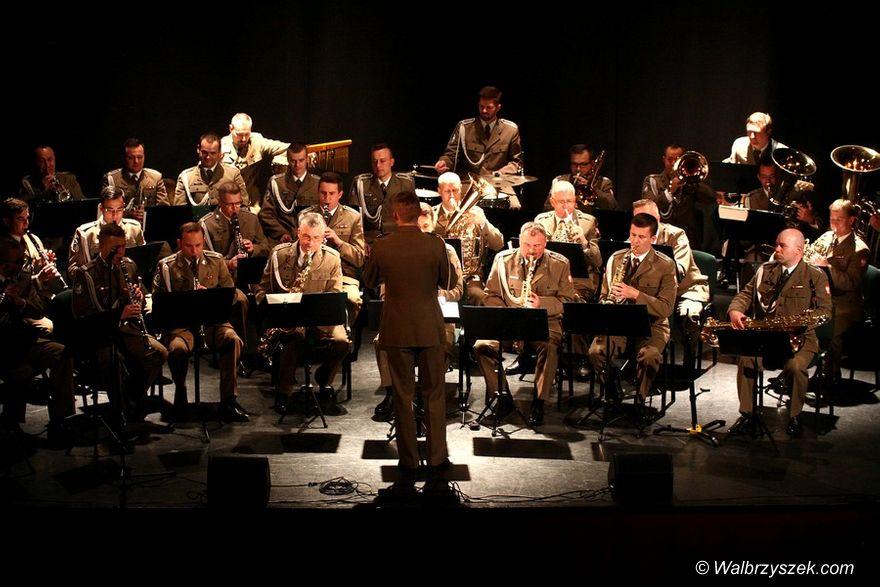 REGION, Szczawno-Zdrój: Koncert patriotyczny w Teatrze Zdrojowym
