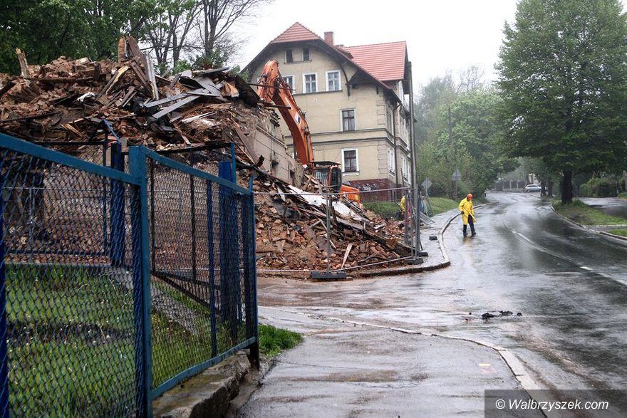 Wałbrzych: Kolejna kamienica znika z powierzchni – tym razem ta na ulicy Żeromskiego