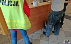 Wałbrzych: Jeden uszkodził szybę w autobusie, drugi parasol ogrodowy, a trzeci drzwi toalety na Dworcu Miasto