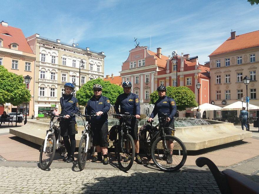 Wałbrzych: Patrole rowerowe straży miejskiej widoczne w mieście