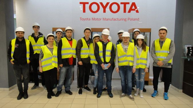 Wałbrzych: Studenci PWSZ z wizytą w Toyocie
