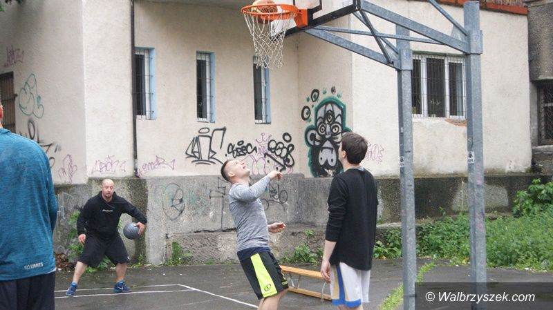 Wałbrzych: Magia ulicznej koszykówki