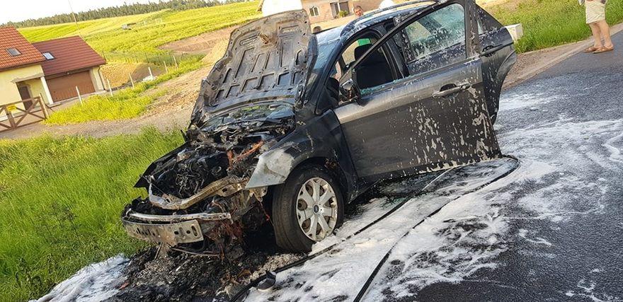 REGION, Czarny Bór: Spłonął samochód w Czarnym Borze
