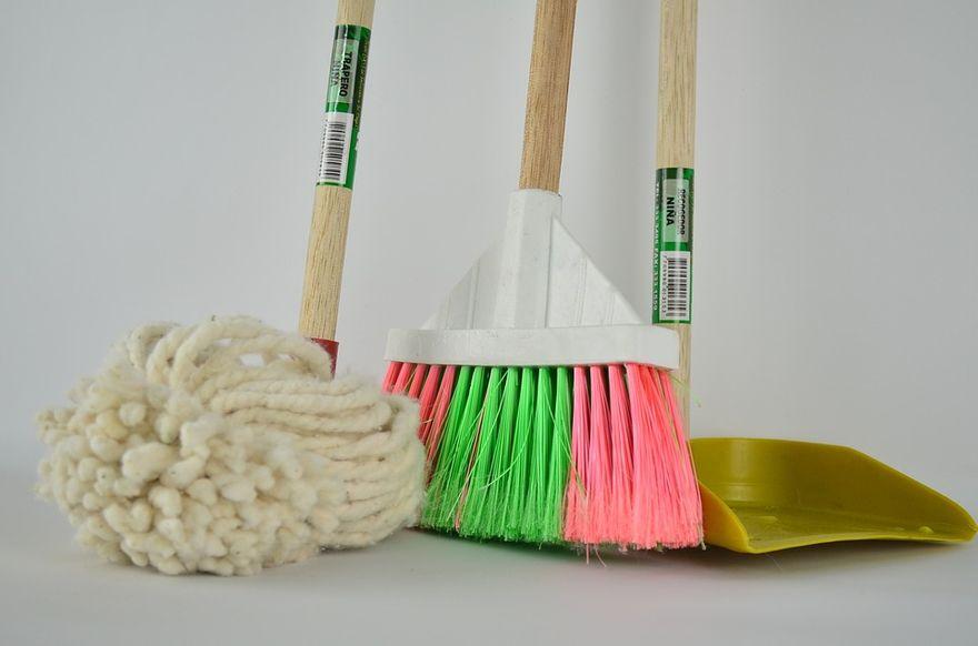 Kraj: Sprzątanie zabiera Ci zbyt dużo czasu i energii? Znajdź kogoś, kto odciąży Cię w trudnych obowiązkach