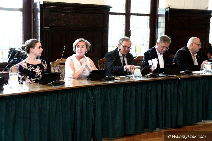 Wałbrzych: Prezydent Szełemej z absolutorium