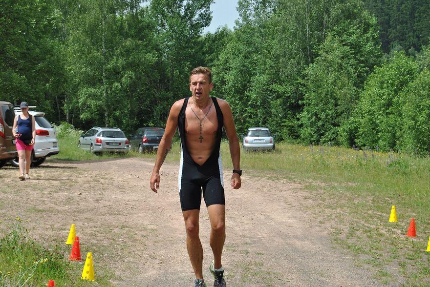 Grzędy: Rywalizowali triathloniści