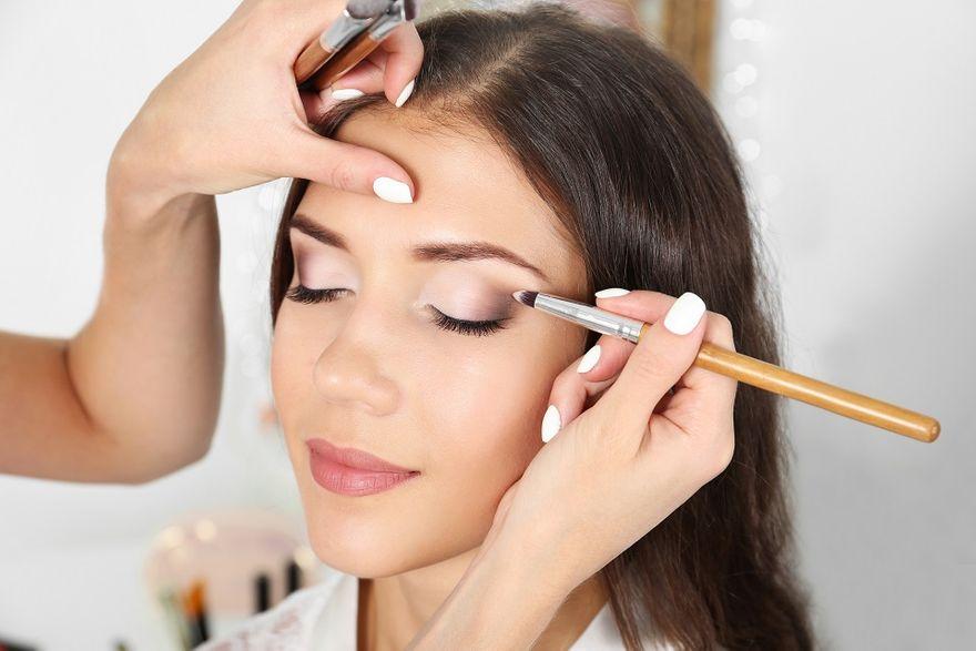 Kraj: Jak wykonać makijaż ślubny? Propozycje uniwersalne i trendy na rok 2019
