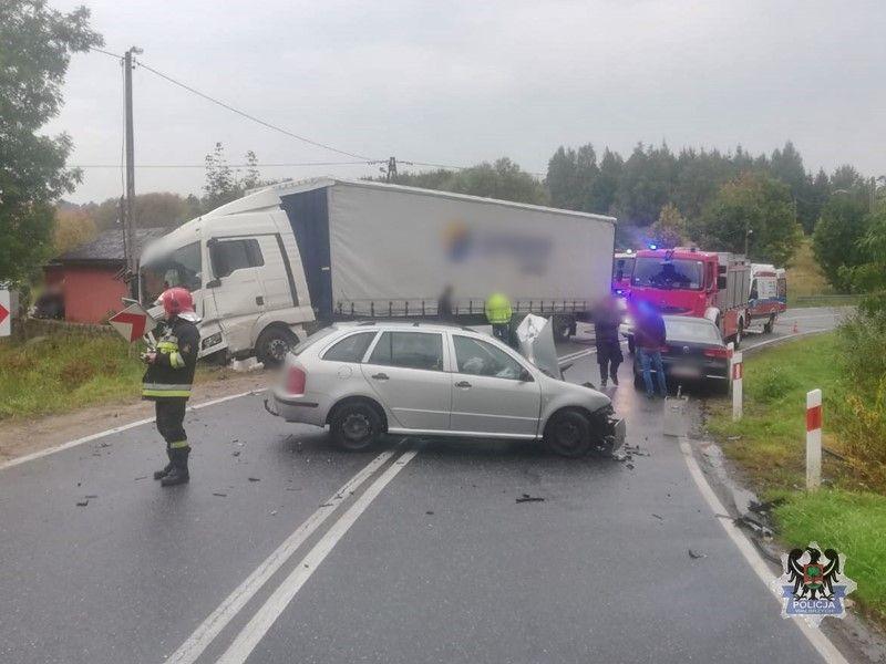 REGION, Głuszyca Górna: Czołowy wypadek