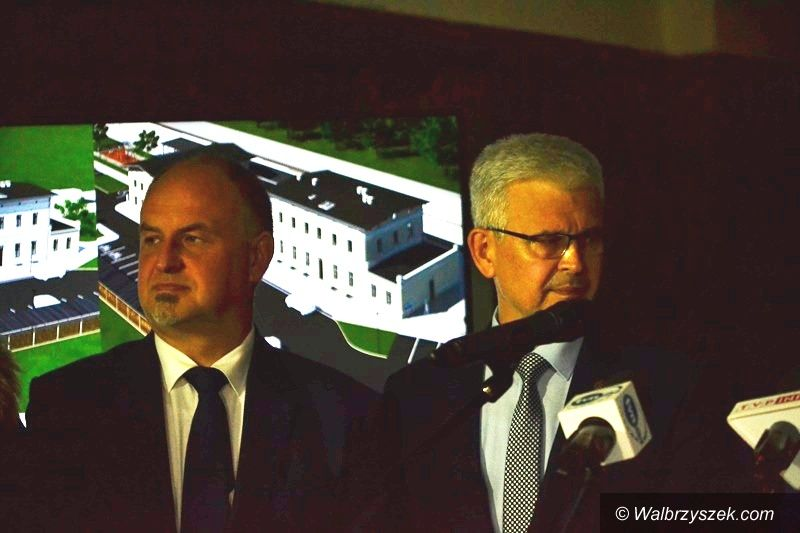 Wałbrzych/Boguszów-Gorce: Dworce do remontu