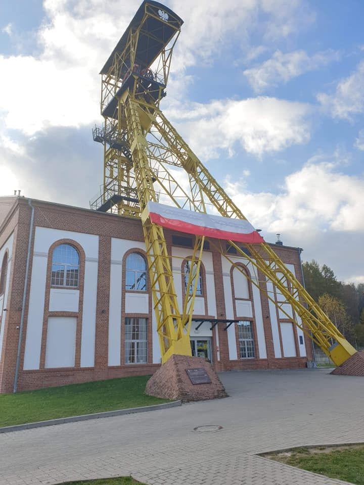 REGION, Boguszów-Gorce: Na biało–czerwono