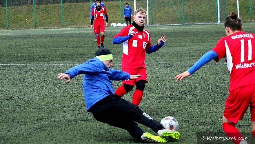 Wałbrzych: Wygrana piłkarzy