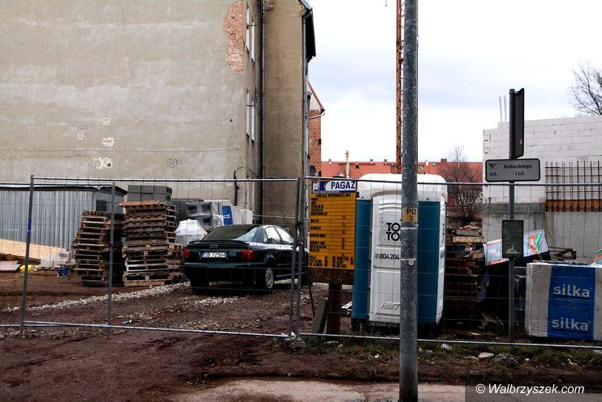 Wałbrzych: Rosną mury
