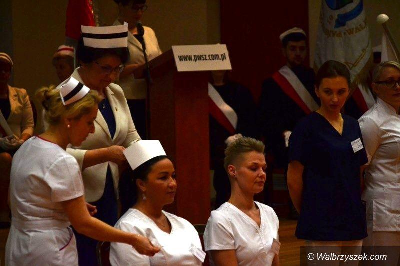 Wałbrzych: Czepkowanie pielęgniarek
