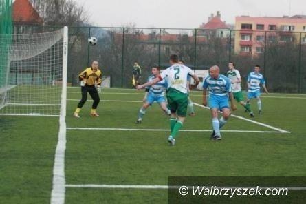 Wałbrzych/REGION: Piłkarze zaczną później