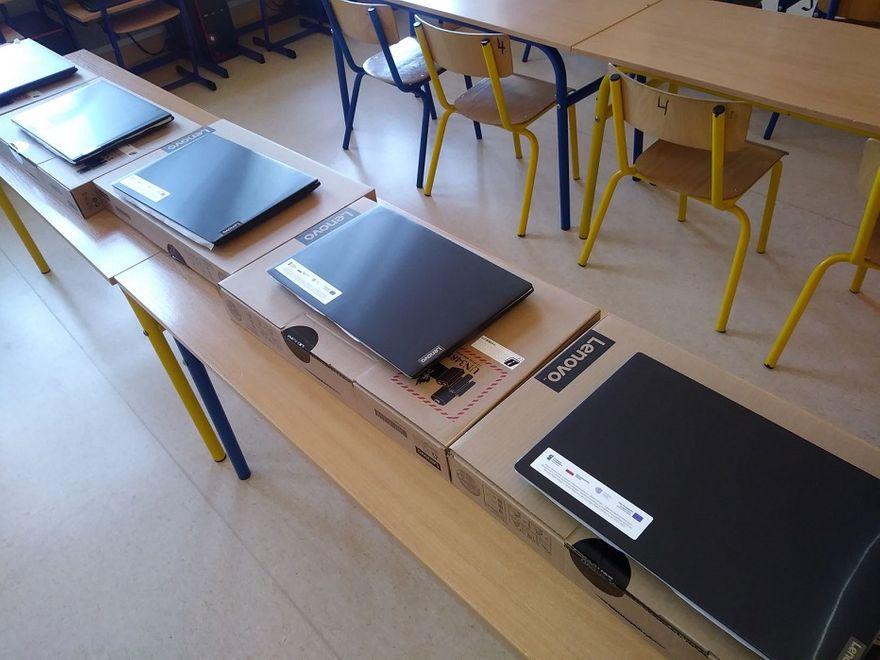 REGION, Boguszów-Gorce: Laptopy dla uczniów