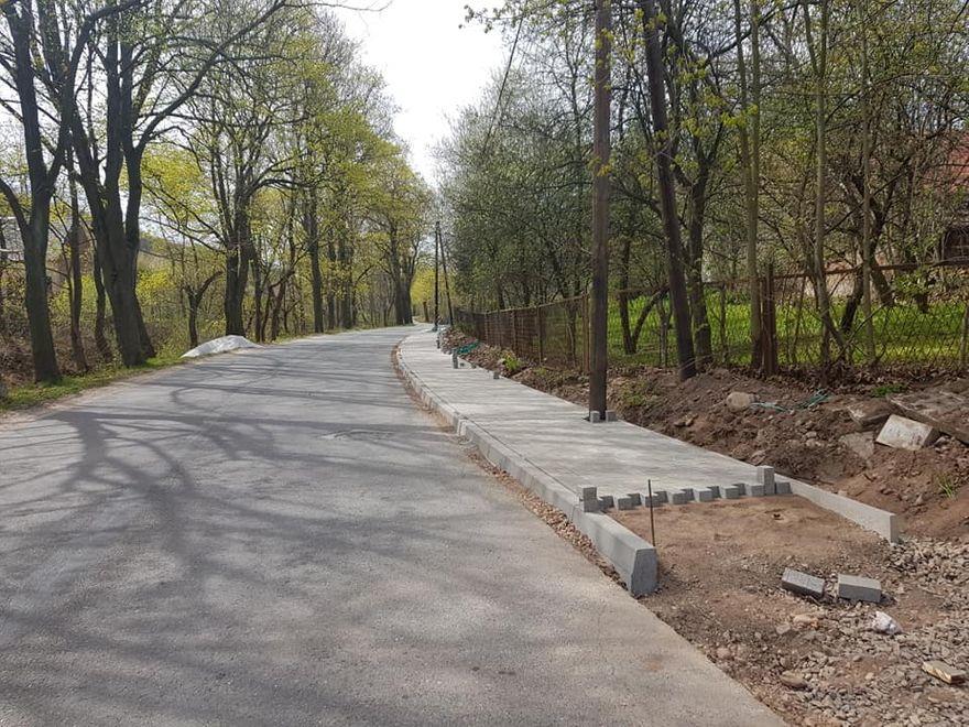 REGION, Stare Bogaczowice: Budują chodniki